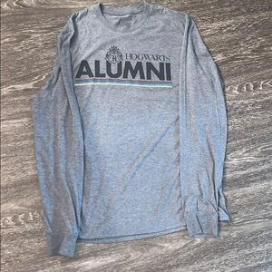 HOGWARTS ALUMNI SOFT LONG SLEEVE GRAY TEE SIZE M